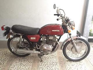 Dijual Honda CB200 Kondisi Banyak Orisinilnya