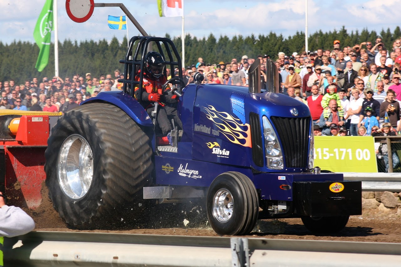 Tractor Pulling Tractor : Tractor pulling news pullingworld new home for silvia