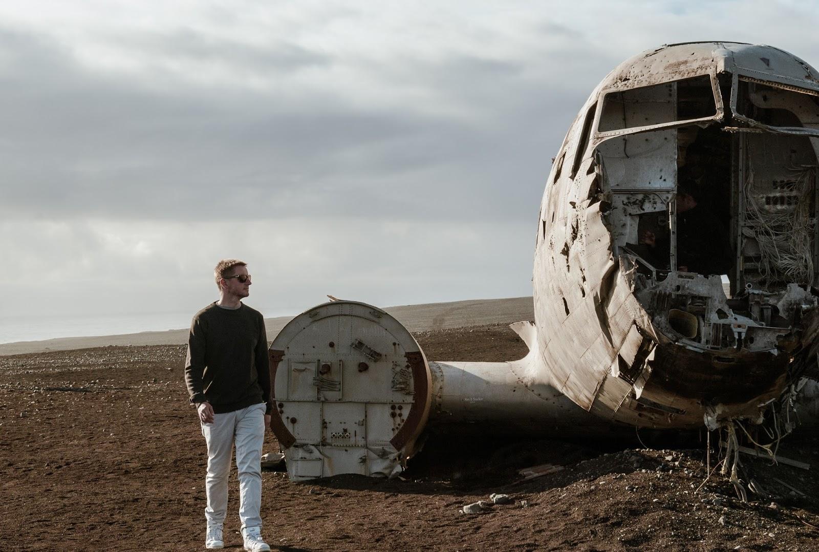 Islandia, Dakota, wrak