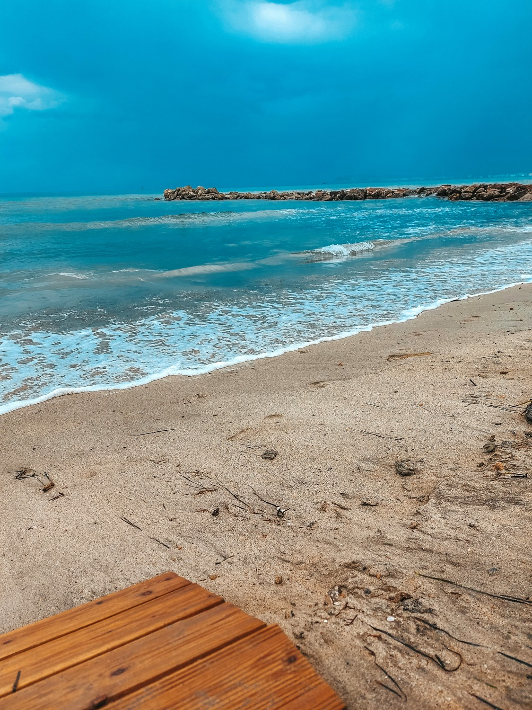 Czy morze w Albanii jest brudne?
