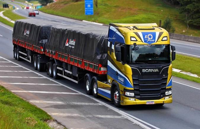 Unidão Transportes e Logística divulga contratação de motoristas em 2 cidades