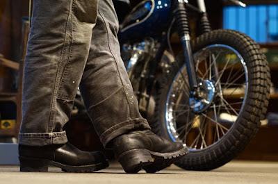履き込み期間8年となるボス。その経年変化はバイクメインならでは。仕様はウエスコのスタンダード。