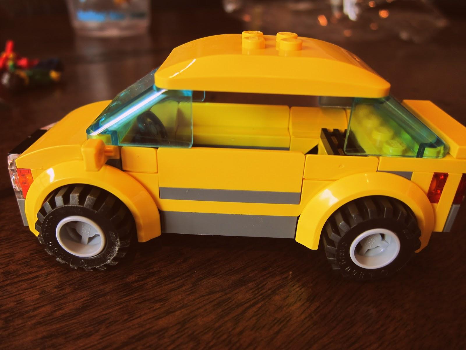 Review: LEGO City Great Vehicles :: Car & Caravan ::   the ...