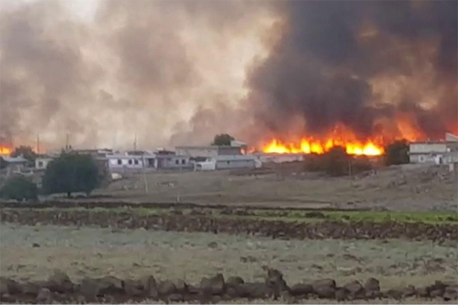 Diyarbakır Çınar Yıllarca'da bin dönüm buğday ve arpa tarlası yandı