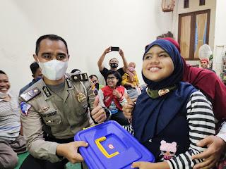 Pengurus Disabilitas Compak dan Semarcakep Berikan Surprise Kepada Kasatlantas Polrestabes Semarang