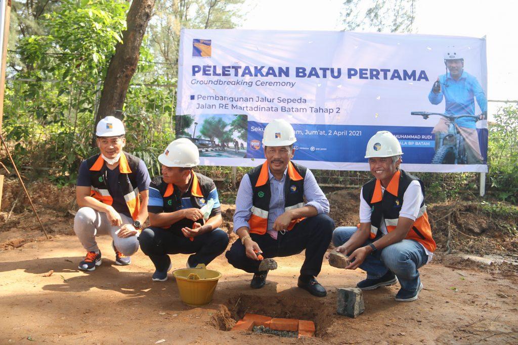 Tingkatkan Investasi dan Mendukung KEK RSBP Batam, Rudi Lakukan Peletakan Batu Pertama Pembangunan Tiga Fasilitas di Sekupang
