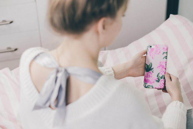 The following tips might help you in choosing the best phone case: