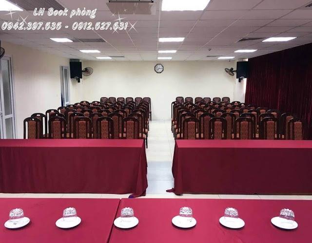 Phòng hội nghị cho 120 khách