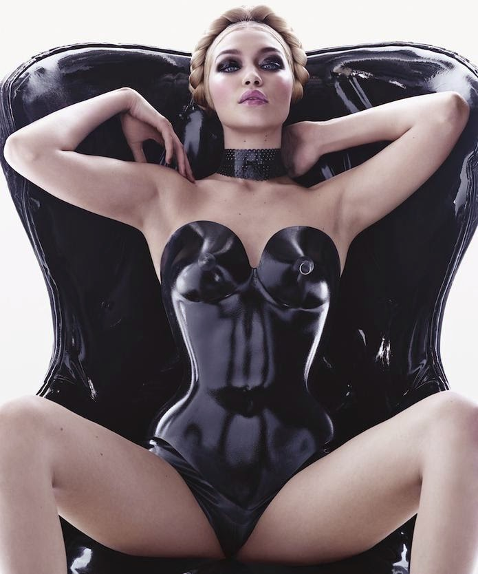 3721794c0 Mês de Abril com a linda modelo Plus Size Candice huffine. (reparem que as  Plus de fora não são tão gordas como nós do Brasil)