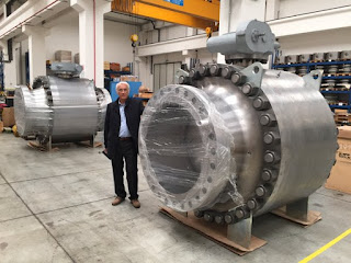 "large 42"" industrial trunnion mount ball valve for oil industry"