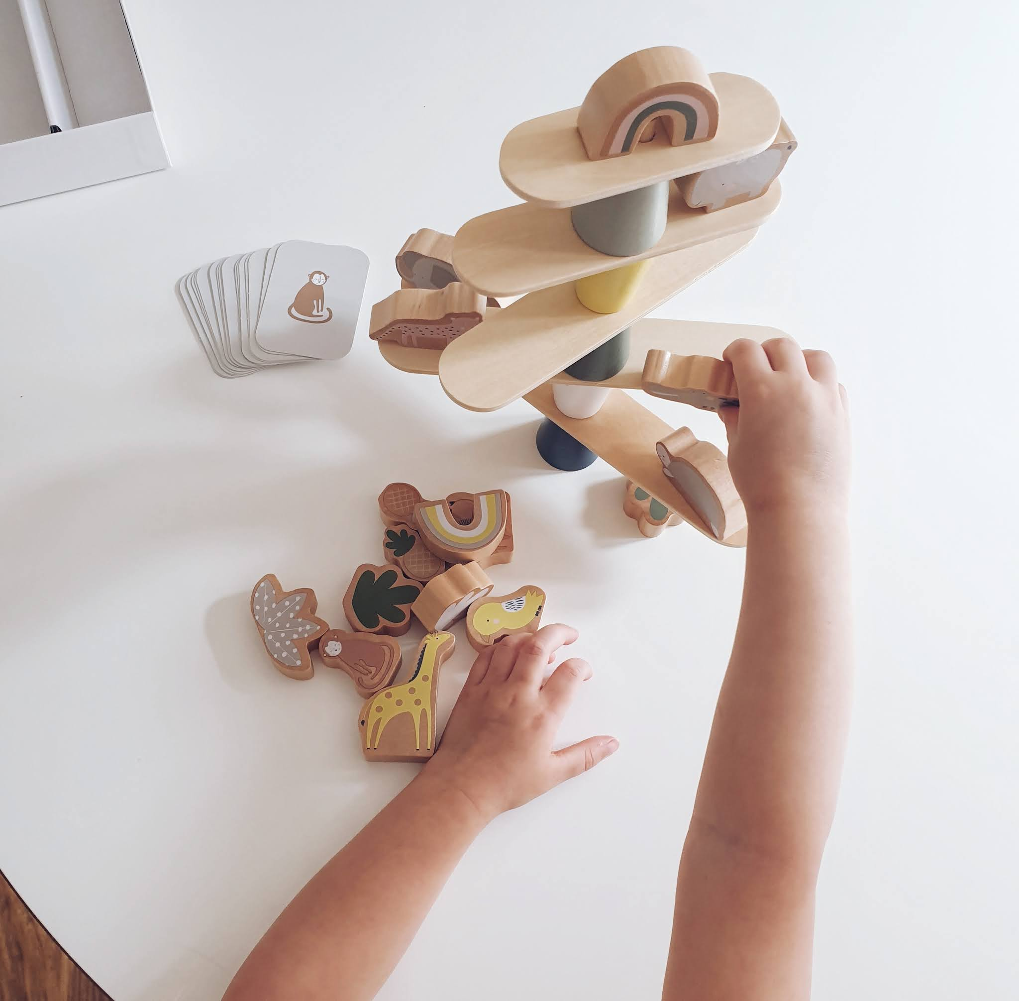 Toddler balancing game