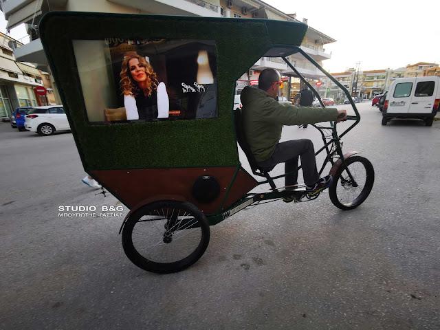 Ποίος ειναι ο τύπος που ξεσηκώνει το Ναύπλιο με την Hi-tech λατέρνα του (βίντεο)