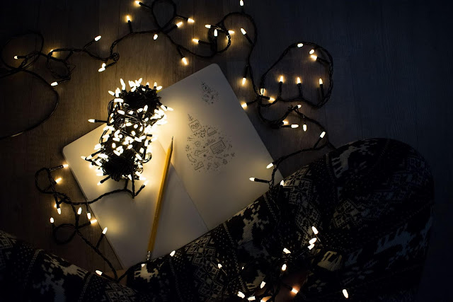 String-Lights-Open-Book-Beside-Pencil-Photo-by-Daria-Doroshenkova