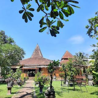Taman hijau Waroeng Djoglo Purbalingga