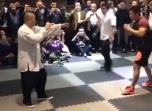 Μονομαχία μεταξύ ενός μάστερ του Κουνγκ Φου και ενός μαχητή MMA. Μαντέψτε ποιος νίκησε