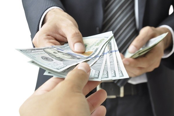 5 WAYS YOU SHOULD SPEND YOUR FIRST SALARY