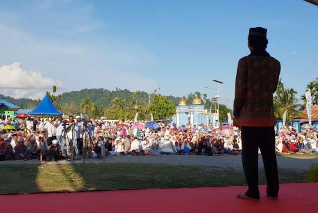 Warga Non Muslim Ikut Dengarkan Ceramah Ustadz Abdul Somad di Papua Barat