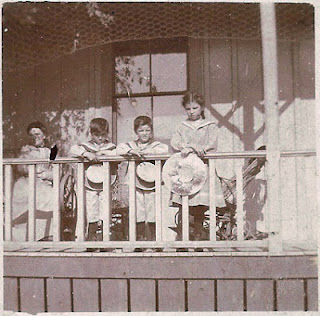 Samuel Bean William Bean Leona Grant Ella Shields Bean front porch of home