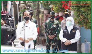 Presiden Jokowi Didampingi Forkompimda Jatim Tinjau Pelaksanaan Vaksinasi Door To Door
