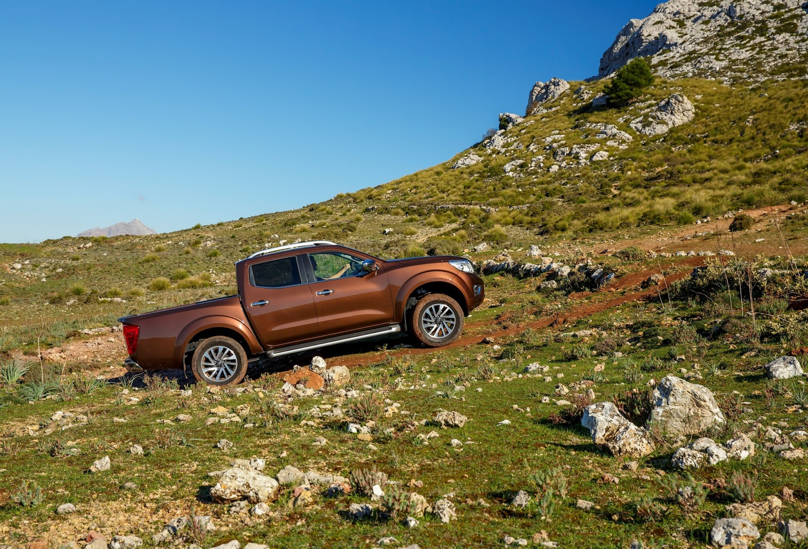 139504 1 5 Το νέο Nissan NP300 NAVARA ήρθε στη χώρα μας για σκληρή δουλειά και από 26.090€ Nissan, Nissan NP300 Navara, Pick-up