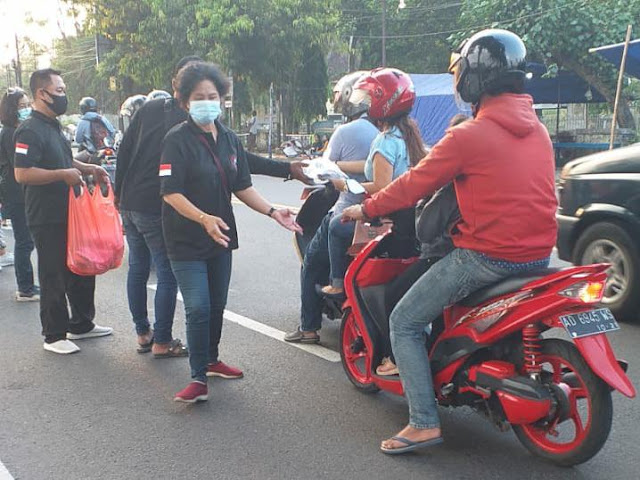 Jaga Soliditas, Komunitas DGP Solo Bagikan Ratusan Takjil