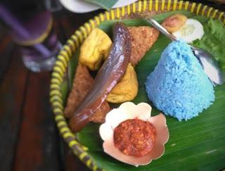 nasi-tumpeng-biru