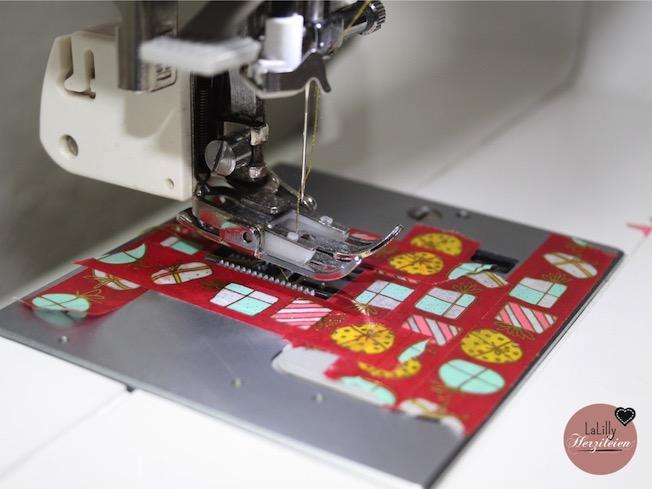 Kunstleder wird oft als ein schwieriges Material zum Nähen bezeichnet. In dieser Materialkunde findest du Informationen zum Zuschnitt, Einstellen der Nähmaschine und allem rund ums Nähen und veredeln dieses Materials.