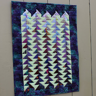 Improv-Quilt-Half-Square-Triangles-Jagged
