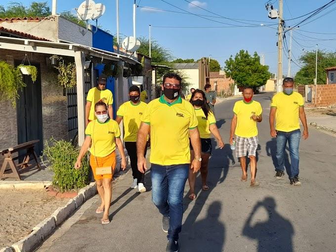 Rômulo Paulista e Bira seu vice visitam a Ilha de Santana levando as propostas do Salve Macau e recebem o carinho de moradores