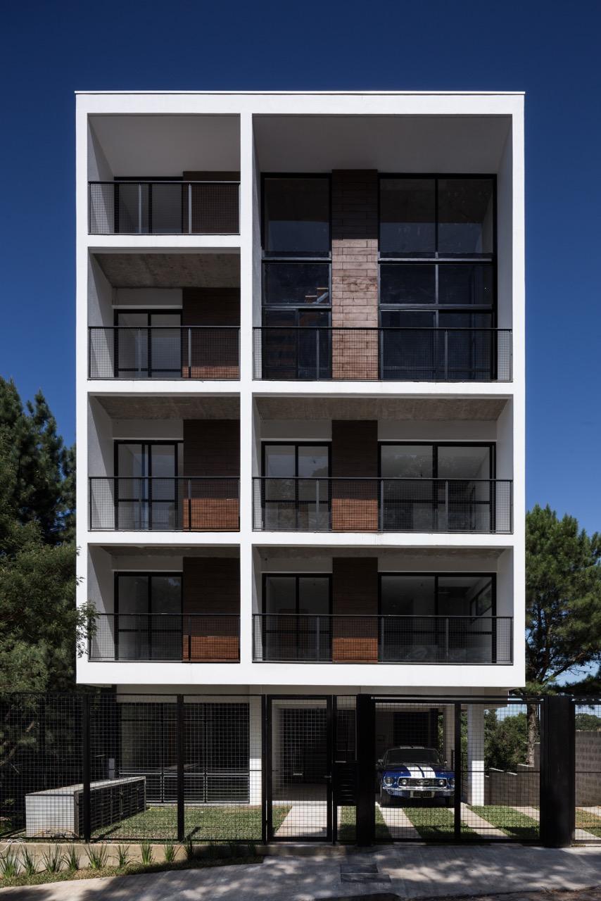 La forma moderna en latinoam rica edificio residencial for Fachadas de edificios modernos