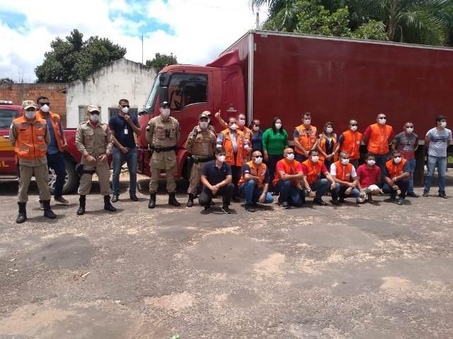 Polícia Militar, demais órgãos estaduais e prefeitura de São Miguel realizam entrega de cestas básicas às vítimas de enchente do Rio Tocantins em Bela Vista