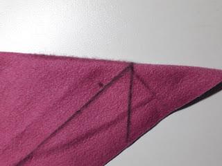 Precies vanuit het kruispunt wordt de driehoek gevormd.