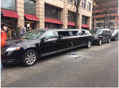 Still on protest update Anti-Trump protesters vandalize cars, smash windows in Washington