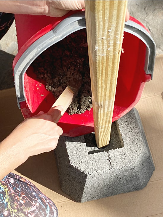 filling base with cement