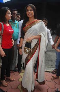 Vidya Balan Long hair Stills In White Saree (2)