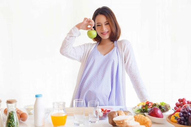 7-Tips-Menjaga-Kesehatan-Mental-bagi-Ibu-Hamil-dari-SehatQ.com