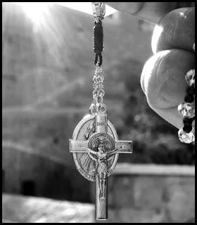 Cara Berdoa Rosario Disertai dengan Urutannya