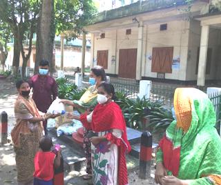 মাধবপুর উপজেলা পরিষদের পক্ষ হতে শিশু খাদ্য ও  ইউপি  চেয়ারম্যান,কর্মকর্তাদের পিপিই  বিতরণ,