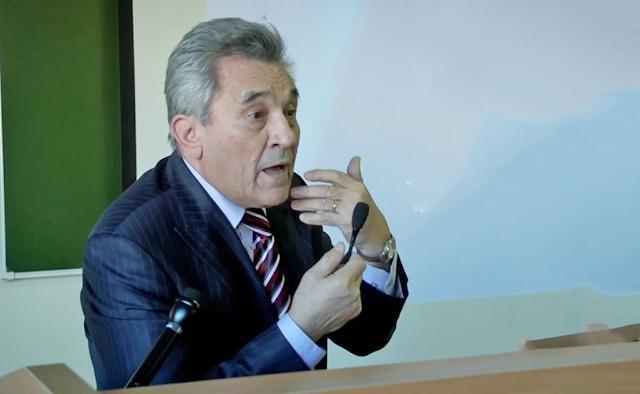 В. Симчера – бывший директор НИИ статистики.