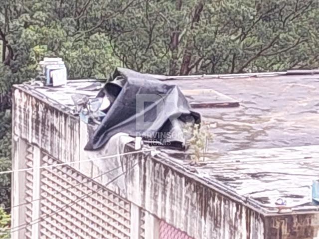 Techo impermeable casi provoca un enorme desastre en el Metro de Caracas