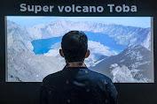 Menparekraf Tinjau Pusat Informasi Geopark Danau Toba