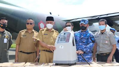 Bantuan Panglima TNI untuk Penanganan Covid-19 di Sumbar Tiba dengan Hercules
