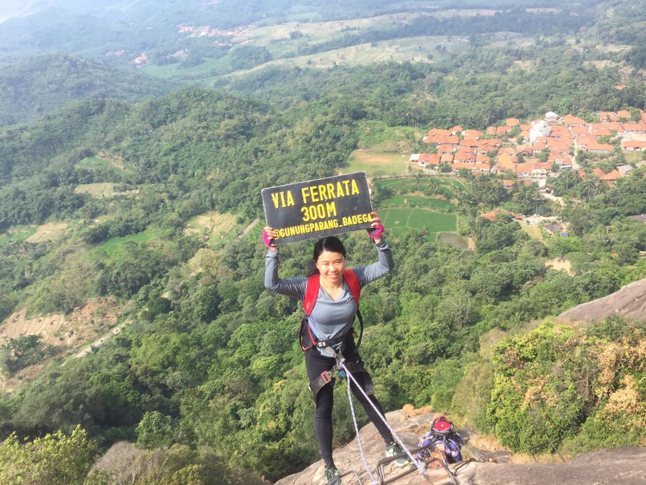 Wall Climbing Gunung Parang via Ferrata (Ind)