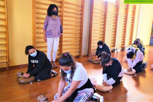 La Escuela de Superpoderes lleva la formación en seguridad y emergencias a los colegios de La Palma