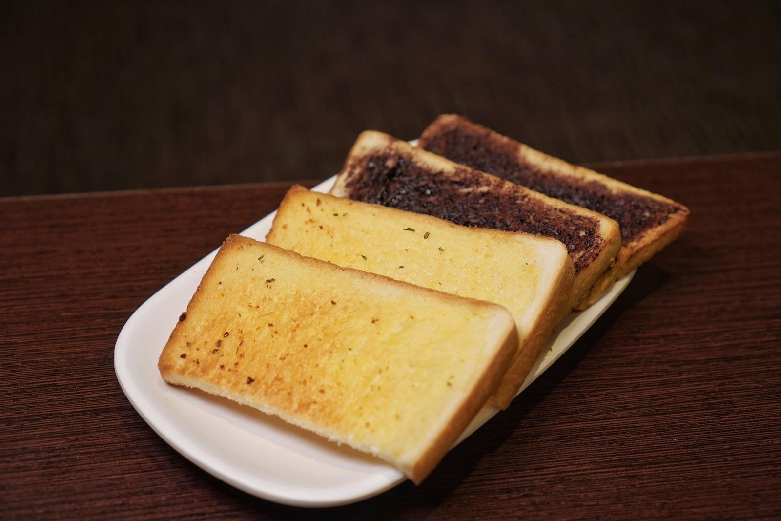 台南美食【大大力牛排館】吐司麵包