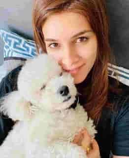 Kriti Sanon With Dog