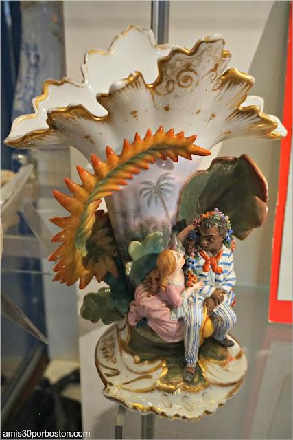 Objetos de la Exhibición sobre La Cabaña del Tío Tom en la Casa de Harriet Beecher Stowe en Hartford