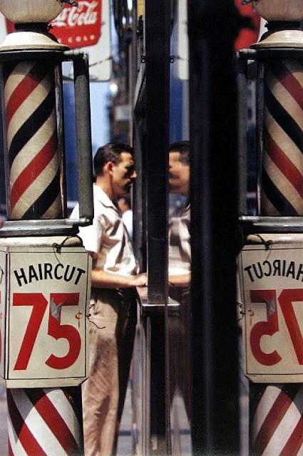 http://tsutpen.blogspot.com/2016/03/saul-leiter-and-city-3.html