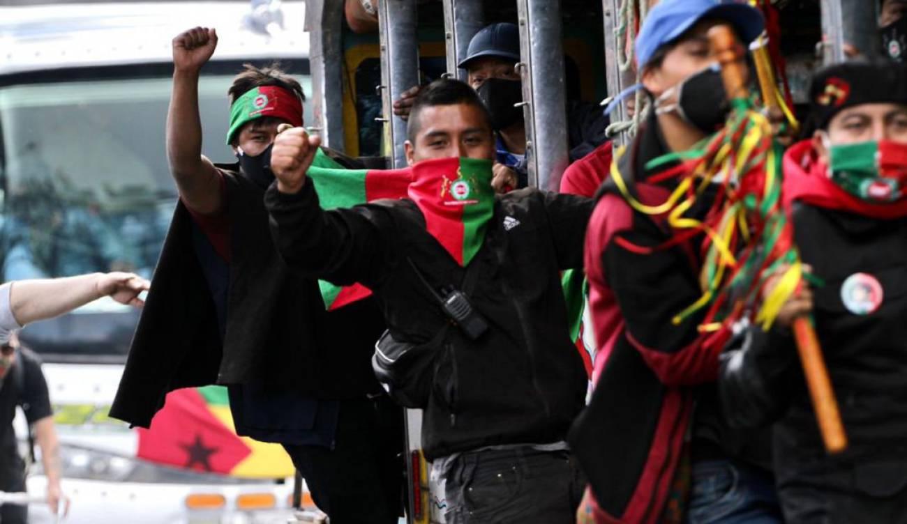 Minga llegó a Bogotá recibida por cientos de personas con arengas de apoyo