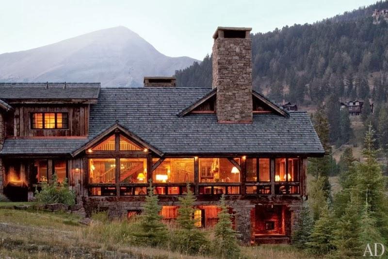 Drewniana rezydencja z kamiennym kominkiem, wystrój wnętrz, wnętrza, urządzanie domu, dekoracje wnętrz, aranżacja wnętrz, inspiracje wnętrz,interior design , dom i wnętrze, aranżacja mieszkania, modne wnętrza, styl rustykalny, styl klasyczny, drewniany dom,